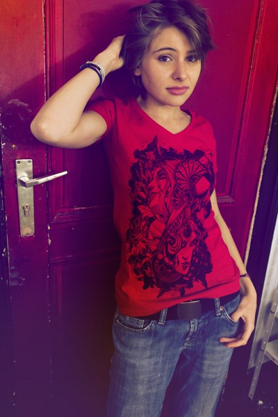 Vneck-red-spring-girl